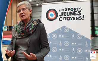 Sport : Geneviève Darrieussecq au Centre national des sports de la Défense